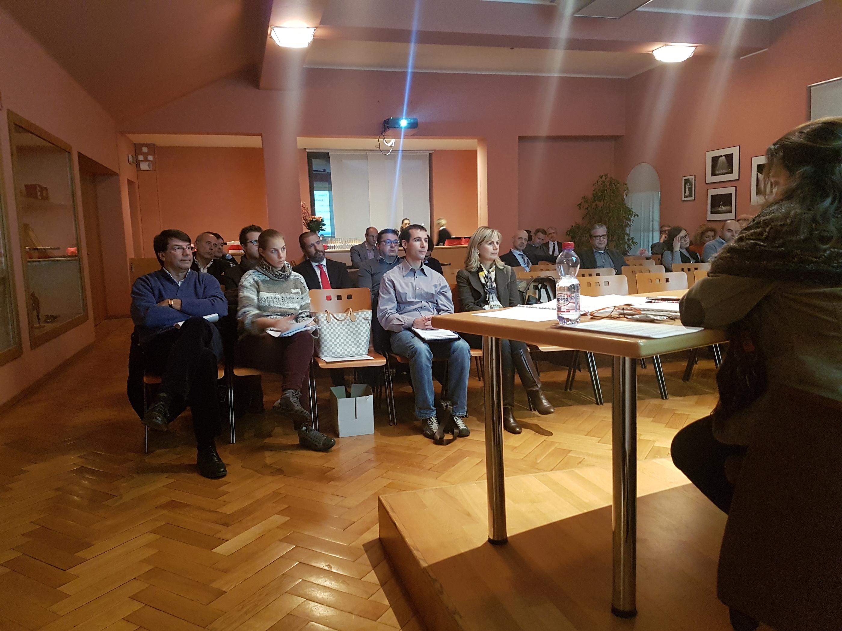 Foto dell'incontro alla Foyer Cinema Teatro di Chiasso